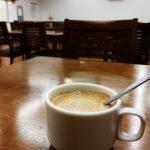 寮の食堂で風呂後のコーヒー