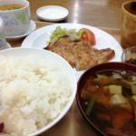珍しく寮のご飯を早めに食べた