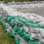 土砂を土嚢袋へ簡単に入れる方法